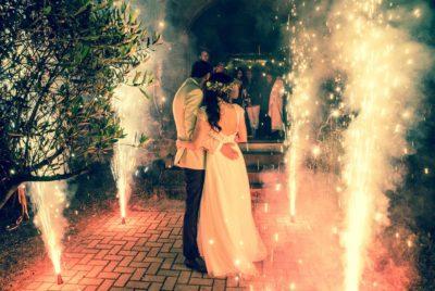 Hochzeitsfotografie Freiburg Kaiserstuhl Brautpaar beim Feuerwerk