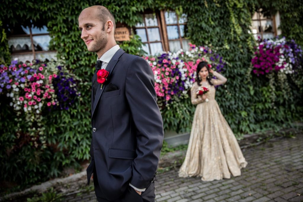 Hochzeitsfotograf_Freiburg_Basel_Hochzeitsportrait_3 Brautpaar vor den gruenen Kulissen